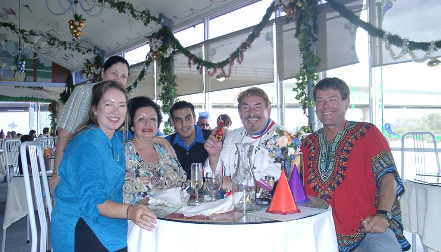 Christmas 2002 at the Jolly Frog, Mandurah after a 6,00 Km trip relocating Starcode from Sydney to Perth